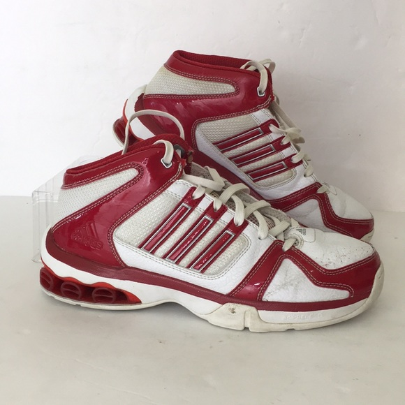 wholesale dealer 2385f 174a3 Adidas Women s tennis shoes white and red size 8
